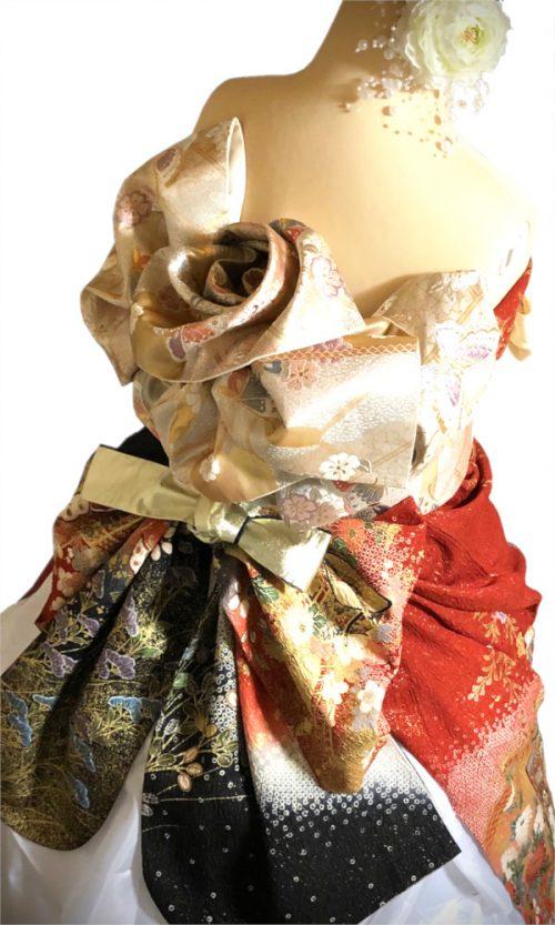 振袖ドレスと薔薇結び